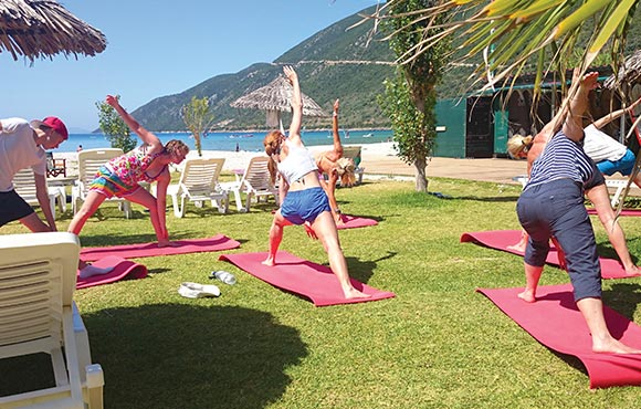 Yoga Beach Fitness