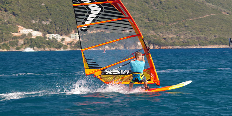 Windsurf-Speed-Blur-1-800.jpg